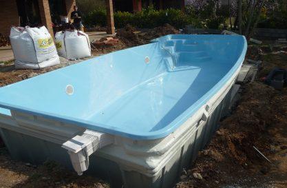 Instalción piscina poliéster