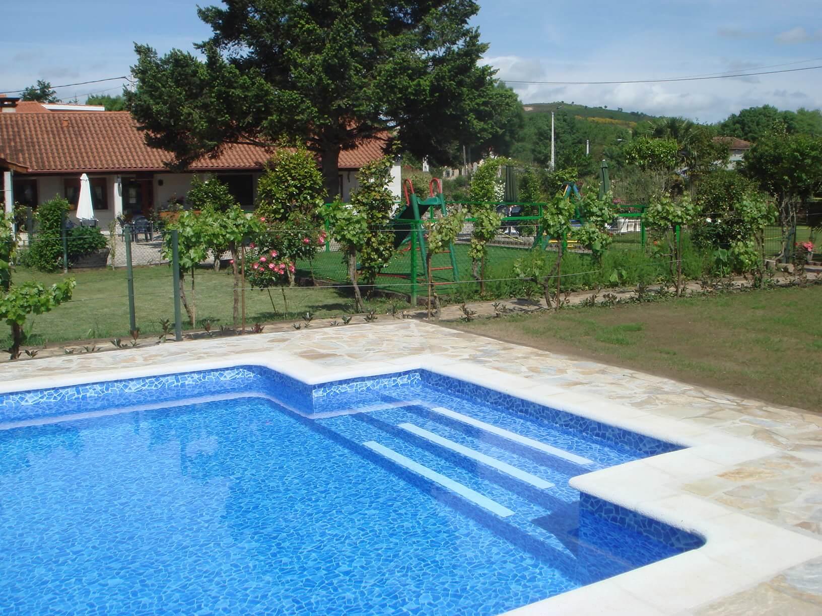 Instalaci n de piscinas en barcelona piscinas area for Instalacion de piscinas